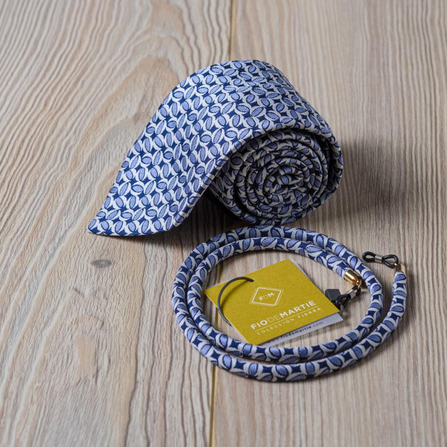 Corbata y cordón Fio de Martíé conchas